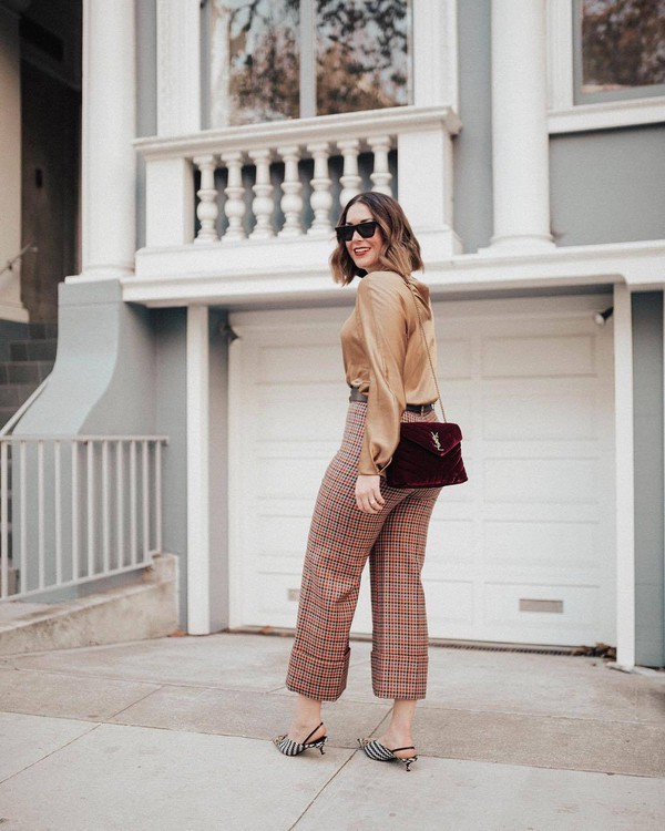pants plaid pants plaid cuffed pants burgundy bag long sleeve blouse small bag slingback pumps red plaid slingbacks burgundy shirt