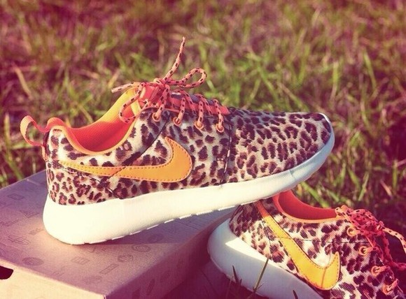 shoes cheetah nike roshe run bag nike shoes womens roshe runs cheetah print