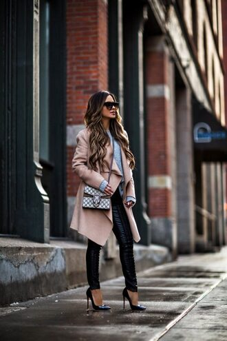 maria vizuete mia mia mine blogger coat sweater pants shoes sunglasses bag jewels gucci bag pumps camel coat winter outfits