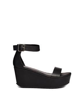 New Look Ponder Grunge Sole Flatform Sandals at asos.com