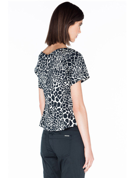 Giraffe Print Stretch Cotton Top by Veronika Maine
