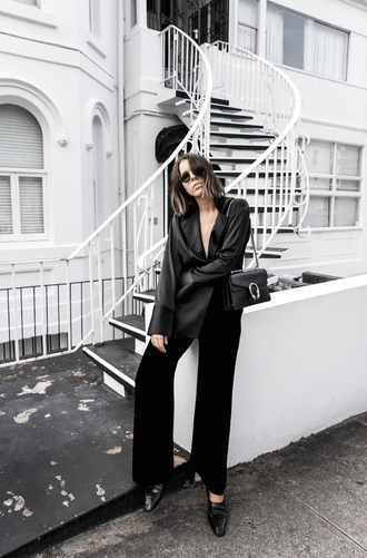 modern legacy blogger shirt pants shoes bag black bag black pants black blouse minimalist work outfits office outfits black wide-leg velvet pants tumblr silk silk shirt black shirt wide-leg pants black shoes all black everything sunglasses gucci gucci bag dionysus chain bag theedit