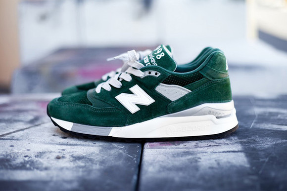 green shoes shoes new balance platform shoes sneakers high top sneaker basket