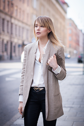 chaloth blogger belt white shirt blazer black pants