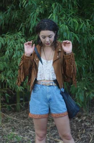 simply hope style blogger high waisted shorts white crop tops fringed jacket suede jacket
