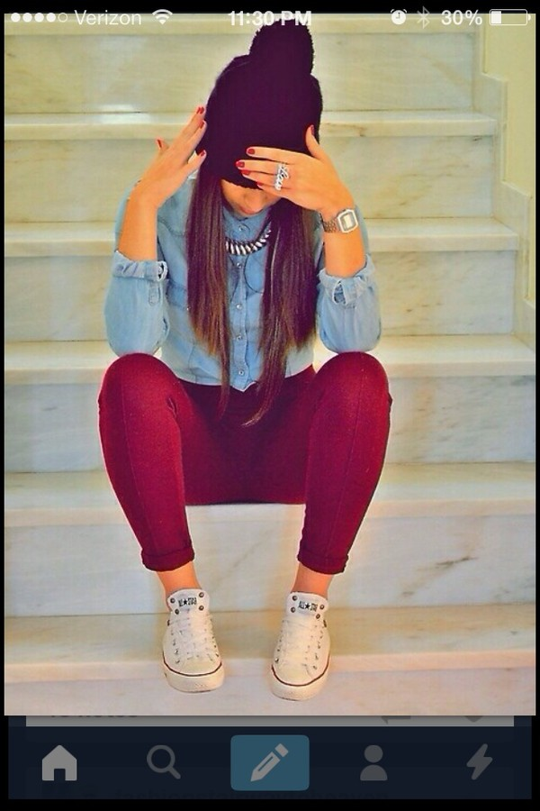 jeans shirt blouse jewels hat shoes sneaks