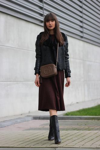mode d'amour blogger gucci bag burgundy skirt black jacket black shearling jacket
