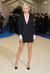 dress,blazer,blazer dress,karlie kloss,model,pumps,plunge neckline,met gala,met gala 2017