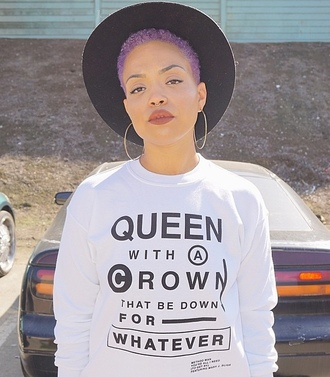 sweater queen crown down whatever hoop earrings circle hat sun hat dope af dope tumblr tumblr sweater method man mary j blige purple hair purple hair dye white sweater black text long sleeves pretty beautiful