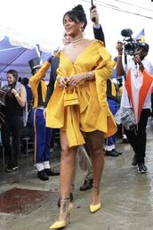 shirt,yellow,pumps,rihanna,shift dress,mini dress,purse