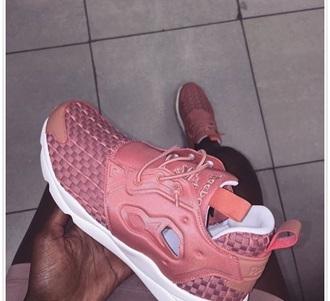shoes reebok pink gym low top sneakers sneakers