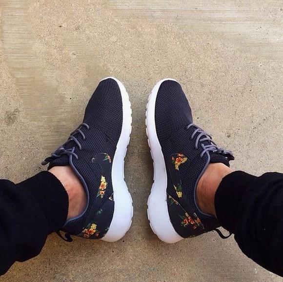 shoes floral floral shorts shoe dark blue navy roshe runs trainers nike nike roshe run