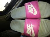 shoes,nike slides,comfort slides,pink mettalic