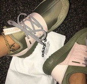 shoes,green,smooth material,pretty,checkered laces,adidas,adidas shoes,olive green,sporty,running shoes,sneakers,tennis shoes,low top sneakers,green sneakers,customized,girly,girly shoes,army green