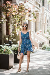 dress,blue dress,short dress,bag,sandals,sunglasses