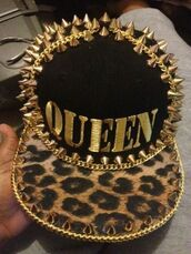 hat,leopard print,gold,queen,spikes