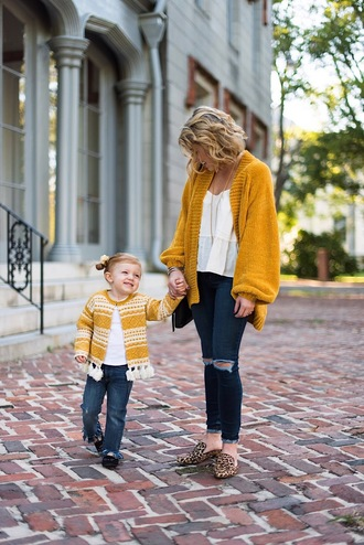 something delightful blogger cardigan jeans tank top jewels bag top fall outfits mother and child loafers