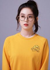 sweater,irene,red velvet,kpop idol,kpop,yellow sweater