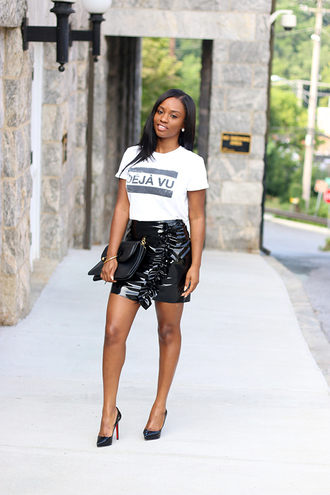 skirt ruffle skirt mini skirt vinyl skirt t-shirt pumps clutch blogger blogger style slogan t-shirts