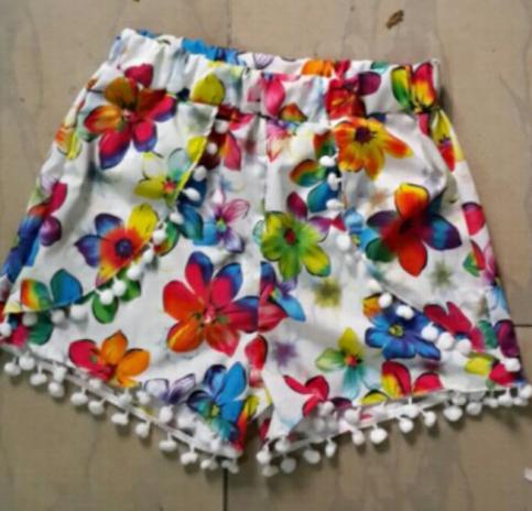 Summer floral pom pom hem shorts
