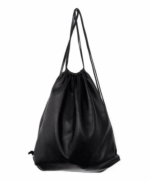 bag leather leather bag black grunge grunge backpack grunge bag gym bag rock backpack lester backpack leather backpack neeed back pack black leather black backpack black bag black leather drawstring backpack tumblr rad fab cute omg i need this so much can be from any brand doesn't matter 🙏 miley cyrus jewels jeans