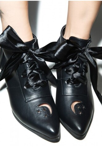 shoes black heels black boots boots lace cu witchy witch tumblr moon stars black bow booties ankle boots