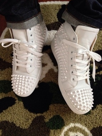 shoes white shoes hightops spikes
