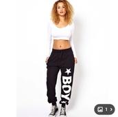 pants,tracksuit,joggers pants,black,boy,boy london,white,long sleeves,top,clothes,fashion,stars,trendy,shirt