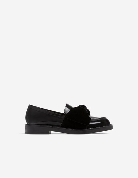 Stradivarius moccasins bow lace black velvet shoes
