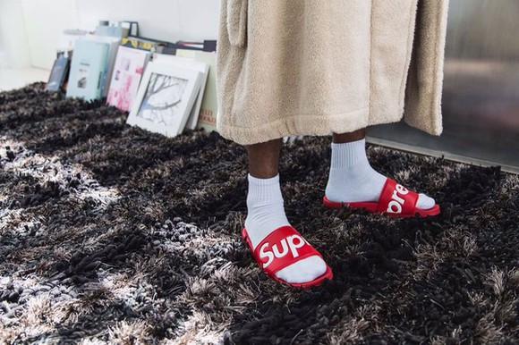 supreme shoes slippers slips cozy