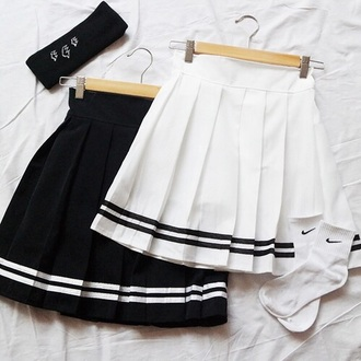 skirt tennis skirt grunge black short skirt white tennis skirt style tumblr outfit black dress black and white dress white dress