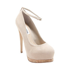 STEVE MADDEN OPTICALL TAUPE PUMP on The Hunt