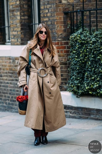 coat oversized coat oversized camel coat camel boots black boots sunglasses bag trench coat streetstyle