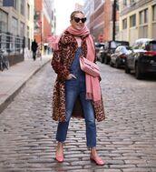jumpsuit,denim jumpsuit,faux fur,leopard print,ballet flats,chanel bag,pink bag,scarf