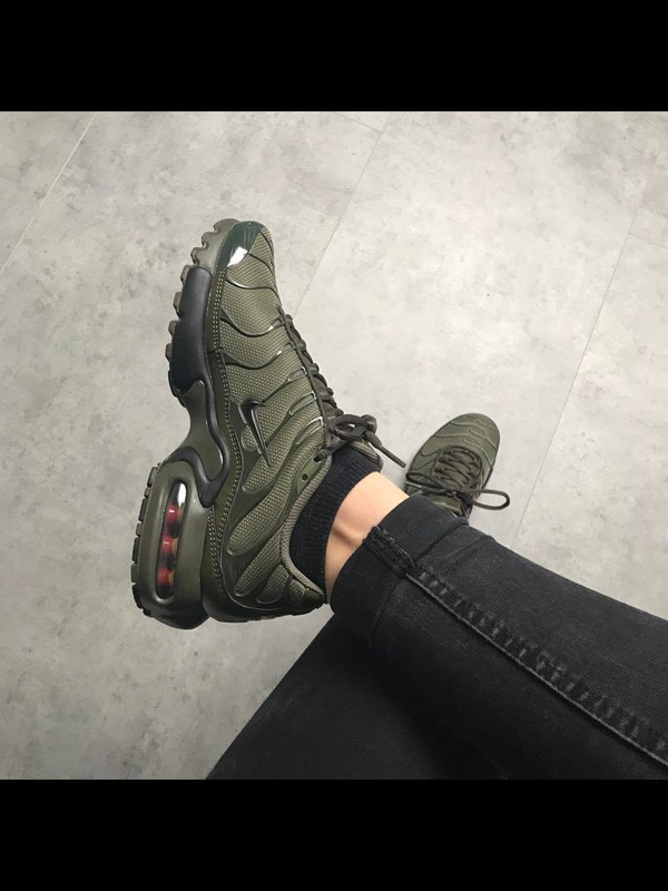 low priced 075b9 9f85c ... Nike Air Max Plus GS Tn Tuned Cargo Olive Green Juniors Girls Boys  655020 200 ...