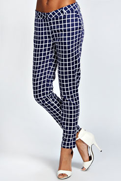 Ebba Grid Checked Slim Fit 7/8 Trouser at boohoo.com