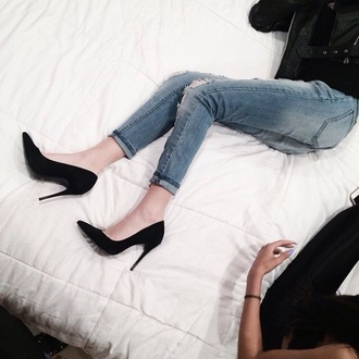shoes heels black heels pants jeans makeupbymandy24 amanda steele black jacket ripped jeans