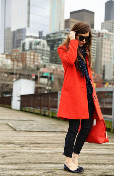 dress corilynn blogger scarf red coat red bag black jeans ballet flats