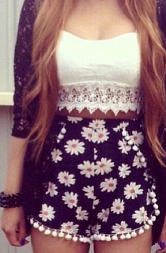 shorts daisy daisy shorts white flowers shirt