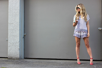 a fashion love affair t-shirt shorts jewels bag shoes