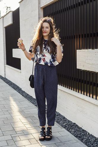 iemmafashion blogger printed pants palm tree print sandals