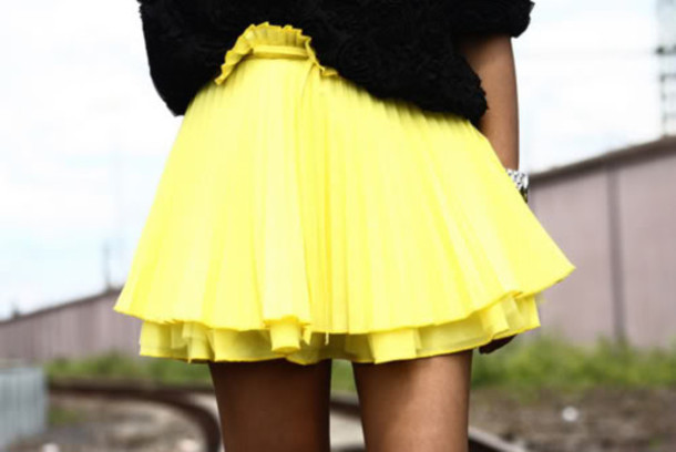yellow skirt pleated skirt