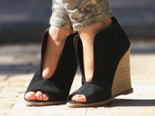 shoes black wedges,casual,wedges,streetstyle,shoes
