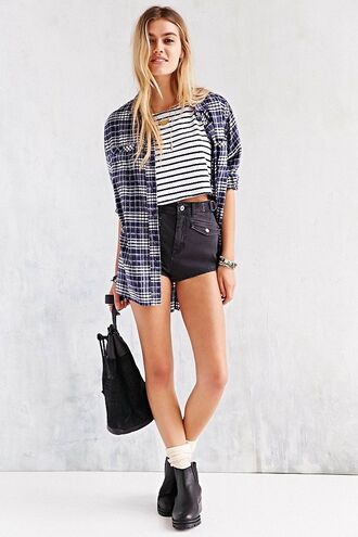 top stripes striped crop top striped crop t-shirt striped top striped t-shirt high waisted shorts black high waisted shorts highwaisted short crop top plaid shirt plaid flannel blue plaid boots