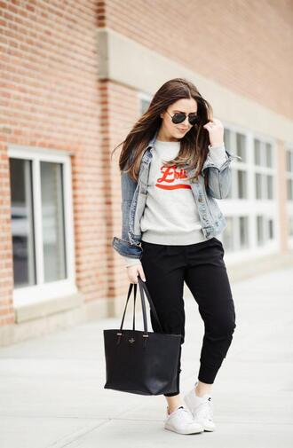dress corilynn blogger sweater jacket shoes bag sunglasses denim jacket spring outfits black pants sneakers tote bag