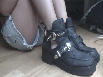 shoes platform shoes grunge soft grunge cute pastel paatel goth pale