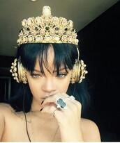 earphones,jewelry,gold,dolce and gabbana,rihanna,headphones,crown,jewels,blouse