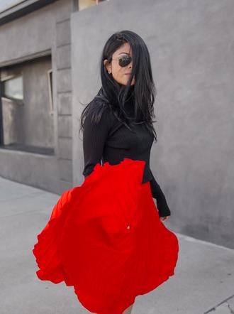 walk in wonderland blogger top skirt shoes