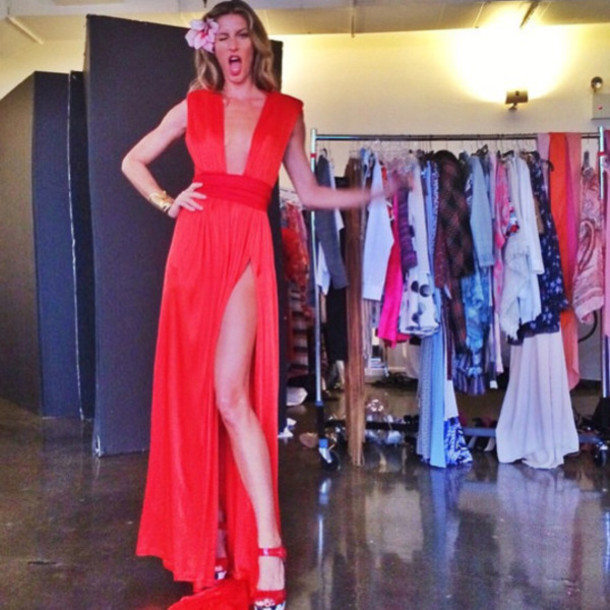 Gisele bundchen red dress