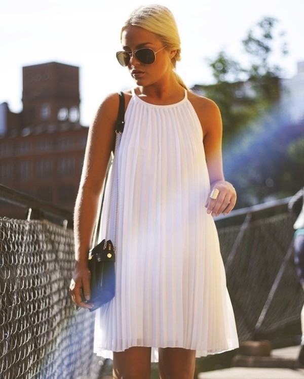 dress white dress pleated trapeze pleats white dress summer flow clothes white swing dress pleated dress shift halter neck pleats high neck mod trendy white pleated dress knee length halter dress black dress white top blue black fashion tumblr tumblr outfit fancy formal dress style strapless make-up